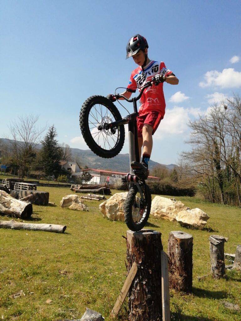 Simone della Rocca giovane talento del Bike Trial